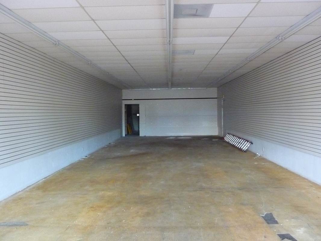 Store for rent NW 183 St., Miami FL
