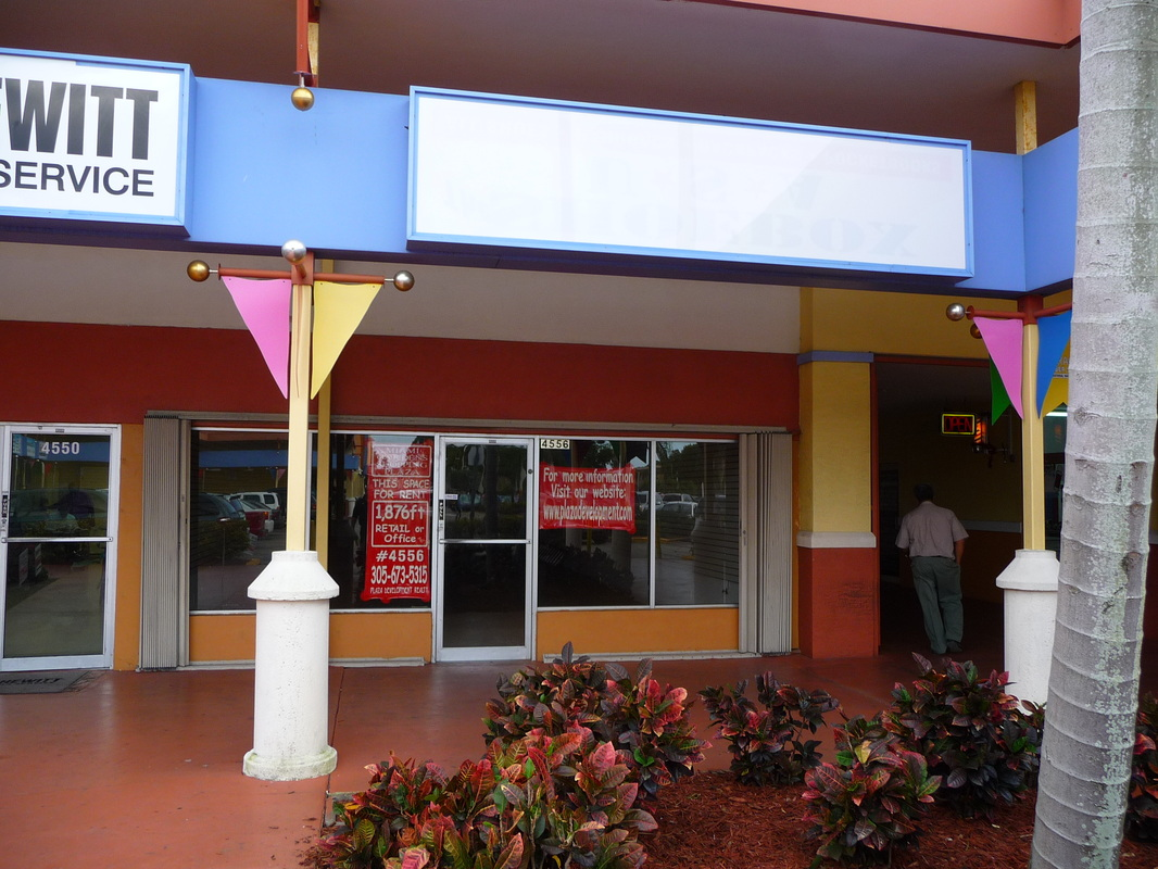 Store for rent Miami Gardens Shopping Plaza