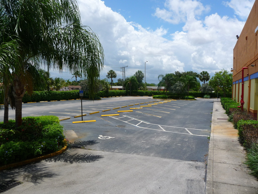 Doctor office for rent NW 183 St, Miami FL